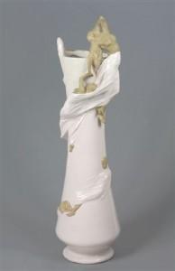 Domenico Baccarini, Volata di donne, vaso, 1910 ca, maiolica