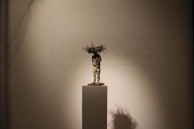 Una delle sculture di Kiril Cholakov  in mostra