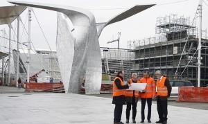 Expo 2015, il momento dell'installazione delle sculture di Libeskind