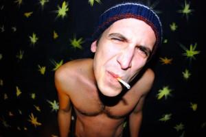 Giovanni-Truppi-berretto-e-sigaretta