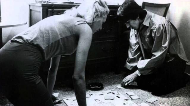 Jackie DeShannon gioca a monopoli con George Harrison – 1964
