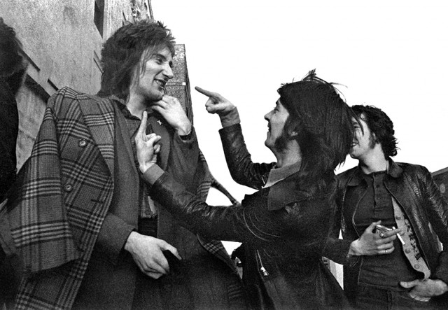 Rod Stewart con Ian McLagan e Ronnie Lane al tempo dei Fsces