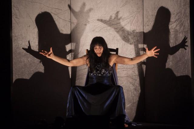 Elena Bucci Le Belle Bandiere, In canto e in veglia - foto di Massimo Agus