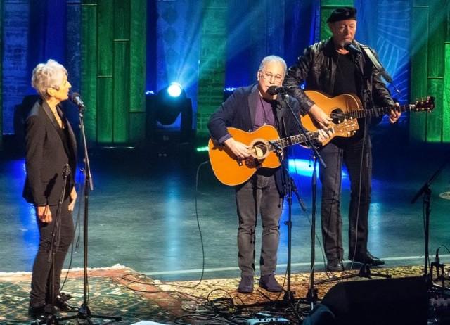 Joan Baez con Paul Simon e Richard Thompson – Gennaio 2016