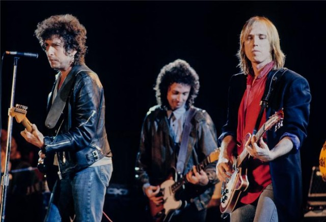 Bob Dylan con gli Heartbreakers Mike Campbell e Tom Petty