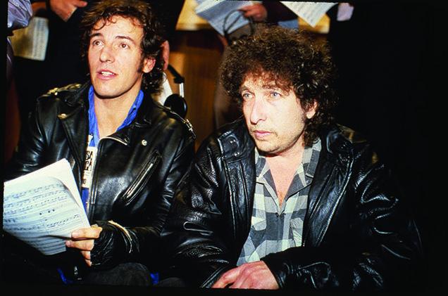 Bob Dylan con Bruce Springsteen durante l'incisione di We Are The World