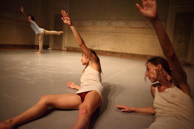 Prometeo Il Dono, Compagnia Simona Bertozzi-Nexus - foto Luca Del Pia
