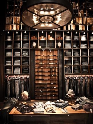 L 39 evoluzione dello shopping dalle antiche boutique agli for Negozi cucine milano