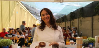 Dealma Franceschetti durante il suo showcooking di cucina macrobiotica