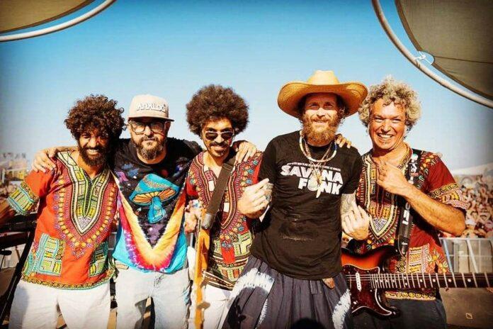 I Savana Funk con Jovanotti al Jova Beach Party - Foto di Michele Lugaresi